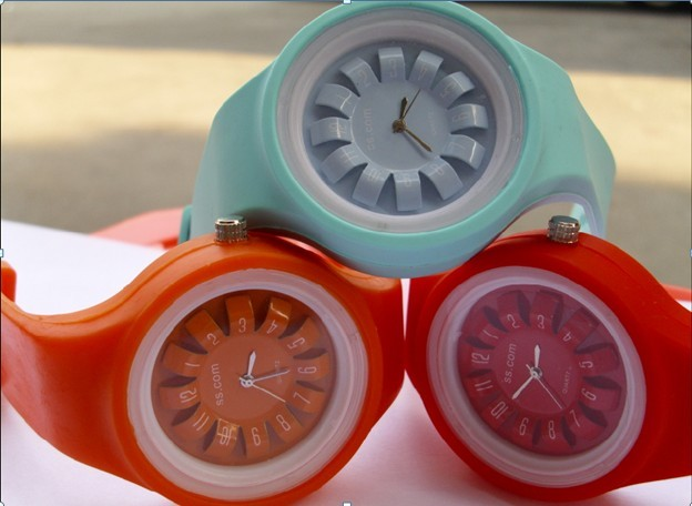 chrysanthemum dial Fashion sport silicone wristband watch